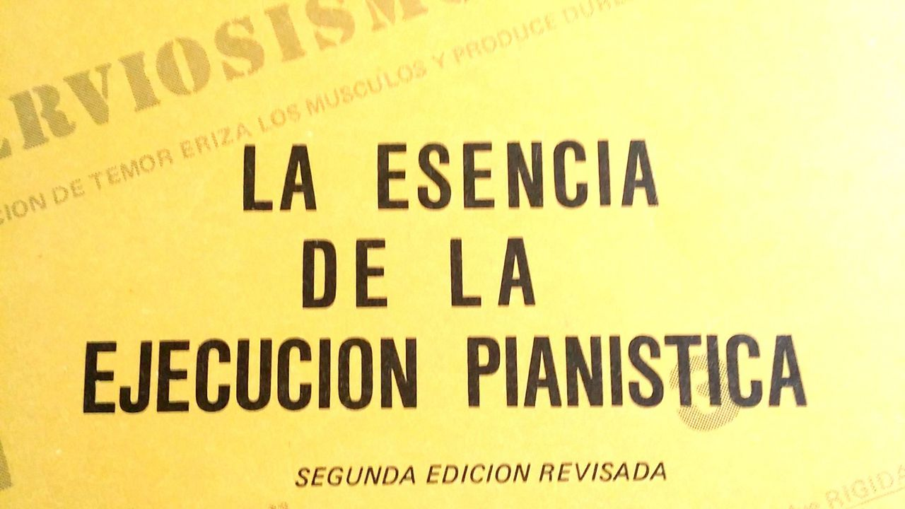 """Escence of the pianistic execution"" , according to Vicente Scaramuzza. Ch. 1 S. 4"