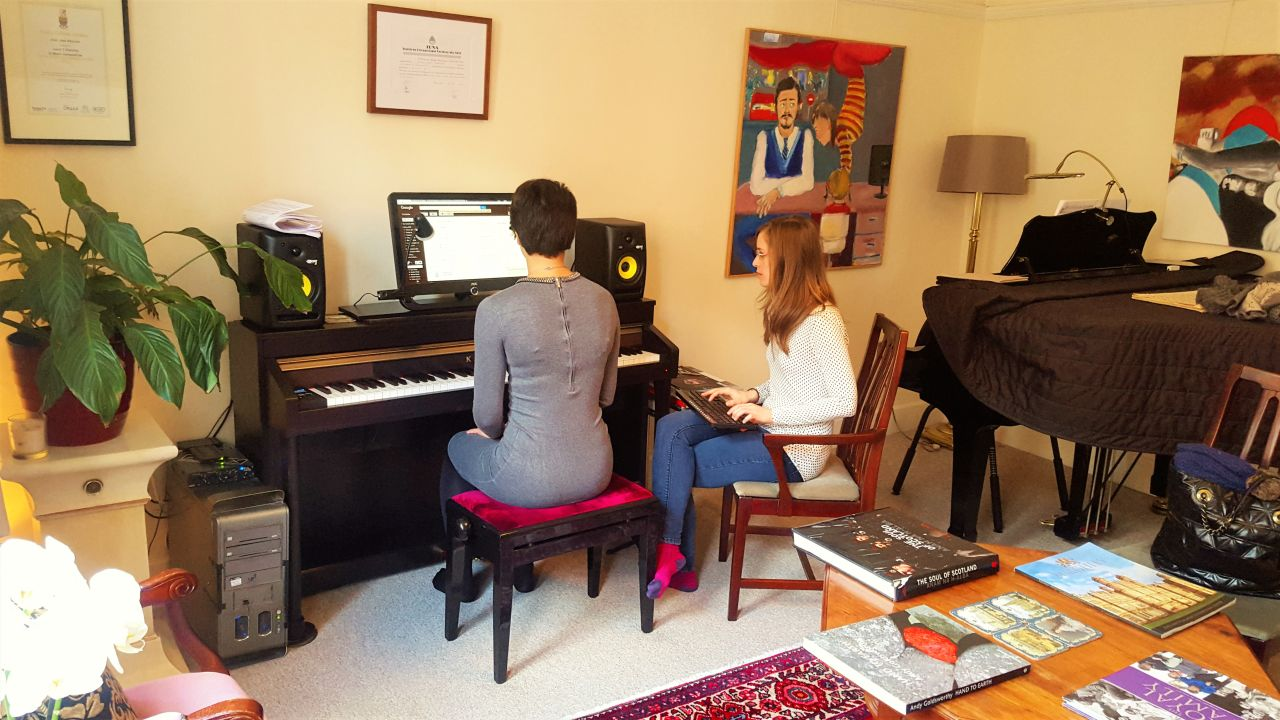 Do you know how to choose a good piano teacher in London?